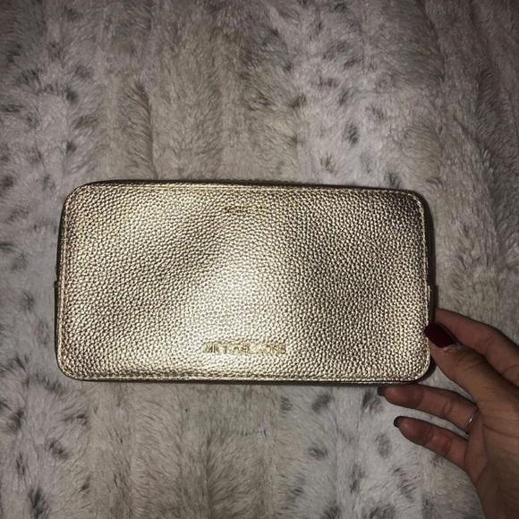 Michael Kors Handbags - ✨Micheal Kors makeup bag